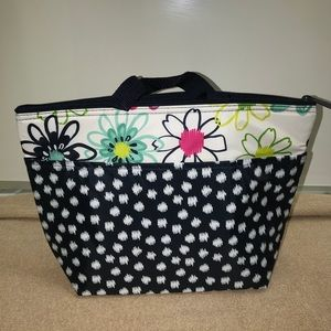 Thirty-One Thermal Tote in Loopsy Daisy.